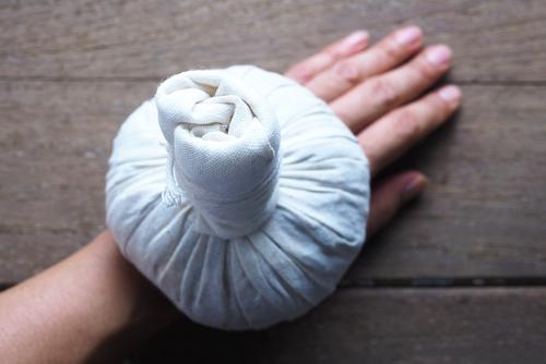 Zenzero Nella Vasca Da Bagno : Zenzero come preparare un impacco in casa shiatsu atelier